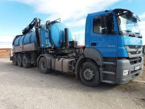 камион за отпушване на канали